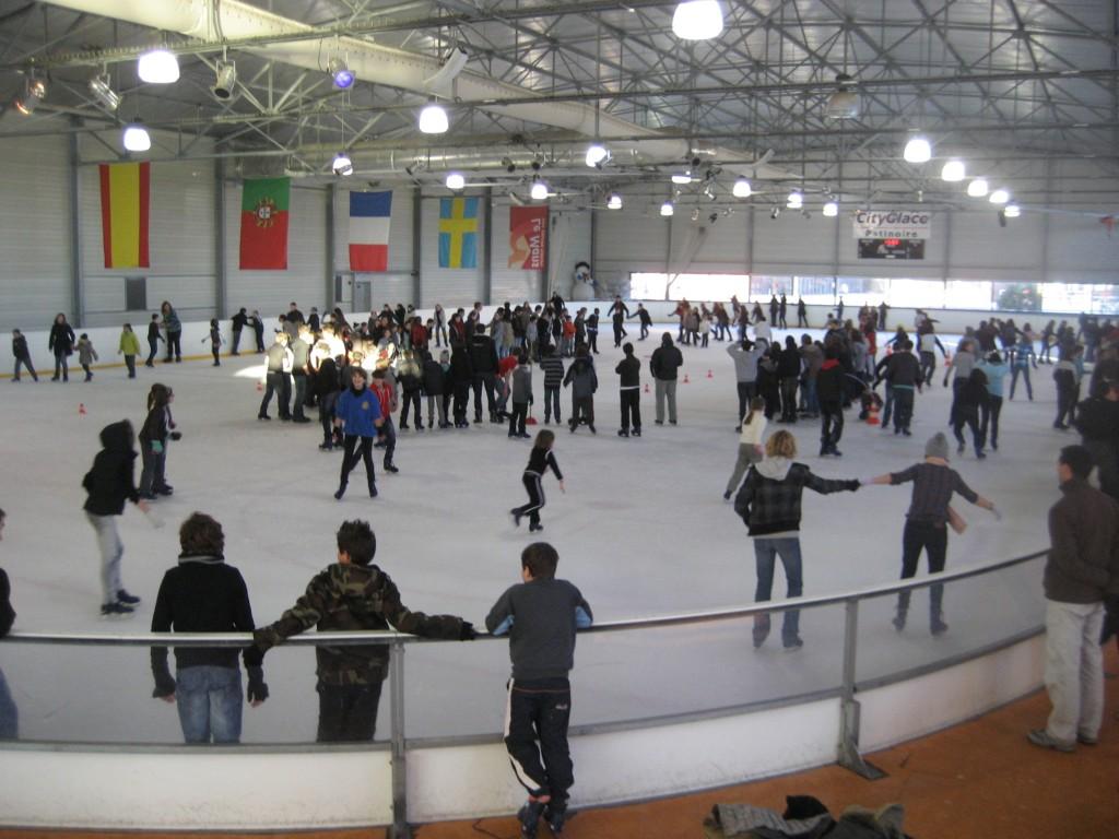 Horaires d ouverture patinoire le mans quand faire du for Patinoir exterieur
